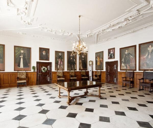 Herberstein Schloss Rittersaal02byMiriam Raneburger.jpg